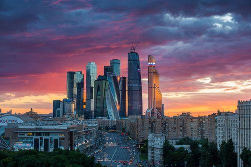 """""""Банк москвы"""" снизил почти все ставки по ипотеке и убрал льготную категорию кредитов """"люди дела"""""""