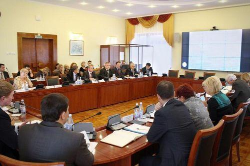 Финансирование социальной сферы наближайшие годы обсудили вологодские депутаты
