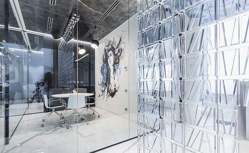 Кружева в бетоне: как выглядит офис производителя нижнего белья