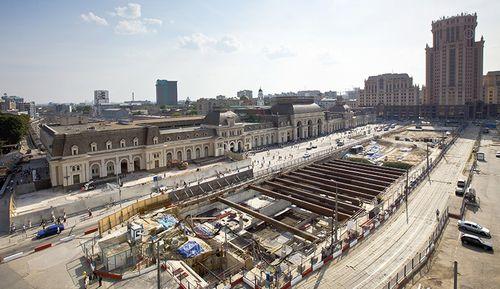 На месте долгостроя у павелецкого вокзала построят парк и тпу
