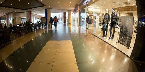 Объем ввода торговых центров в регионах россии упал на 60%