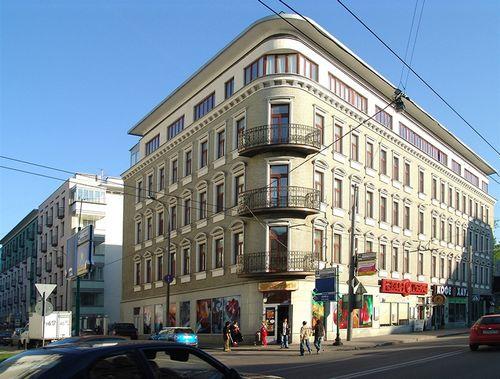 Отъезд иностранцев обрушил рынок аренды элитных квартир в москве