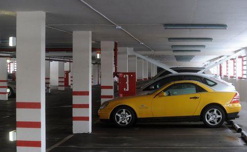 Парковка у дома: как оформить машино-место в собственность