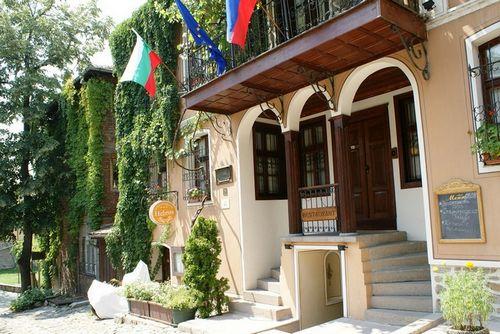 Россияне остаются главными инвесторами в болгарии, а отдых в хорватии дешевеет