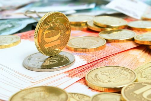 Рубль в пике: вернутся ли долларовые сделки на рынок жилья