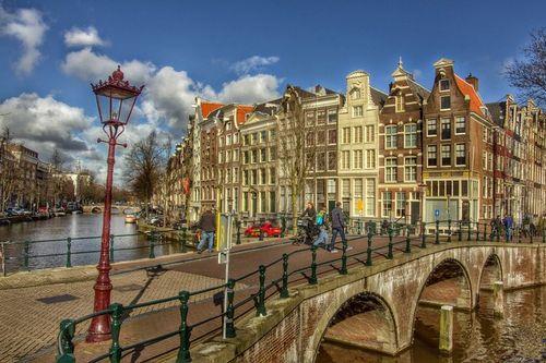 Самое важное за неделю: нидерланды могут похвастаться самой доходной недвижимостью, а в болгарии активизировались инвесторы