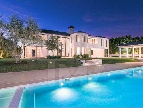 Самый известный дом с приведениями выставлен на продажу
