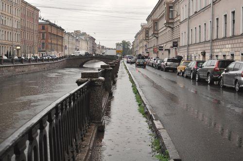 """""""Сбербанк"""" протестировал в петербурге свои отделения и сервисы на доступность для клиентов с инвалидностью"""