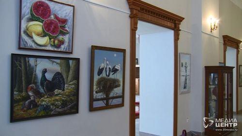 Семья художников подготовила выставку для череповчанок кмеждународному женскому дню