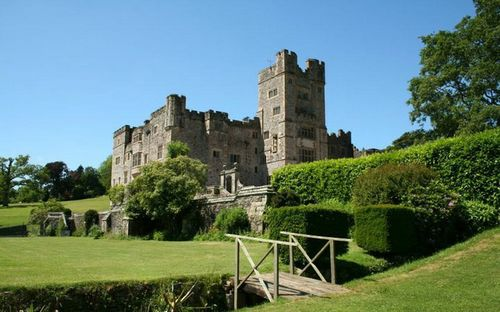 Топ-10 самых дорогих старинных замков мира. фото. цены