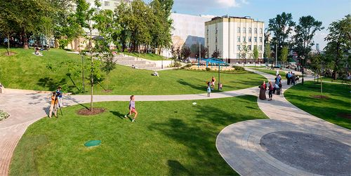 В москве благоустроили 40 районных парков