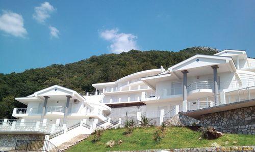 Вложиться в дачу… в черногории