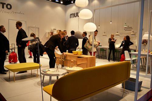 Волосатая кровать, стул на коньках и другие новинки мебельного дизайна