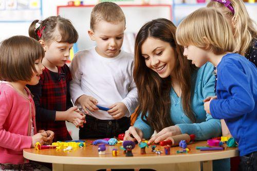 Зарплаты череповецких педагогов вкружках стали меньше