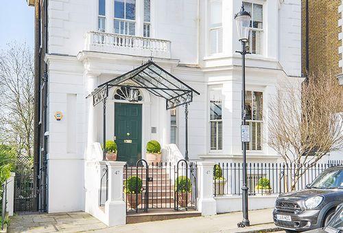 Зарубежные покупатели поддерживают рынок первоклассной недвижимости в лондоне