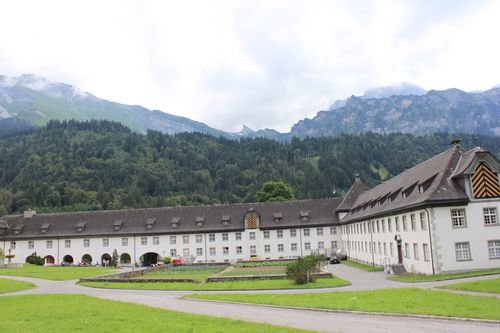 Застройку кантона в швейцарии превратили в апартеид