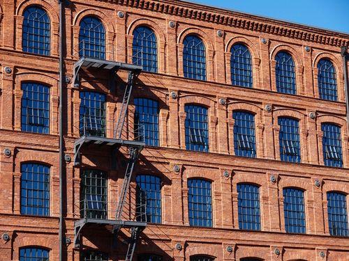 Жилье и офисы вместо промзон – в чем выгода для города и бизнеса